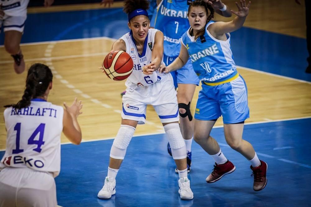 Елена Попова стартовала на молодежном Евробаскете