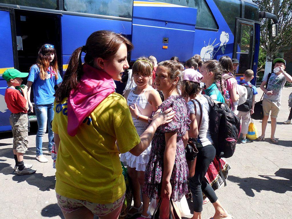 Отдых в Бердянске набирает обороты, детские лагеря открывают первые смены