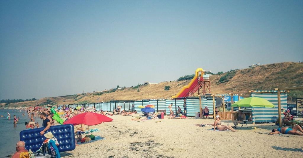 296 тыс. грн. по итогам лета поступило на счет коммунального предприятия с аренды пляжей