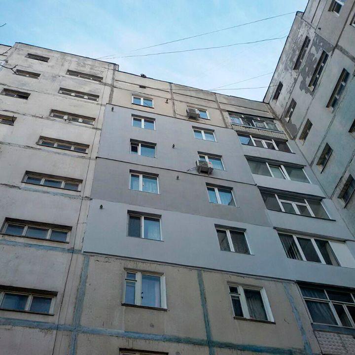 В Бердянске пенсионерка спрыгнула с крыши многоэтажки
