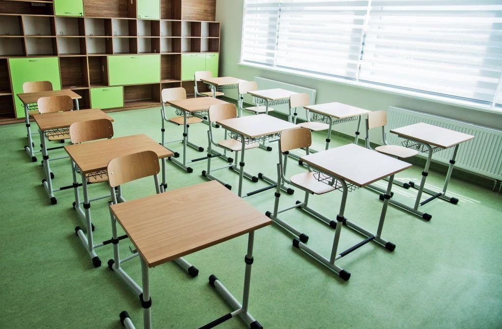 Уже восемь классов в бердянских школах отправили на самоизоляцию