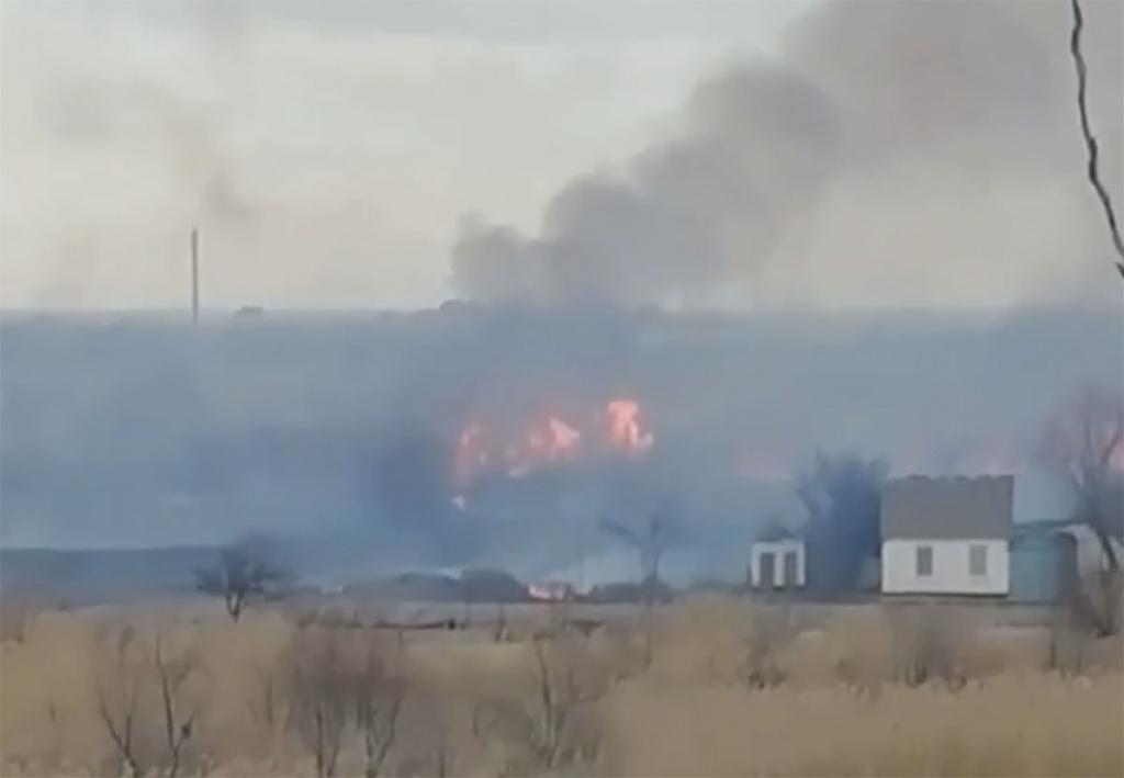 В мікрорайоні Колонія масштабна пожежа