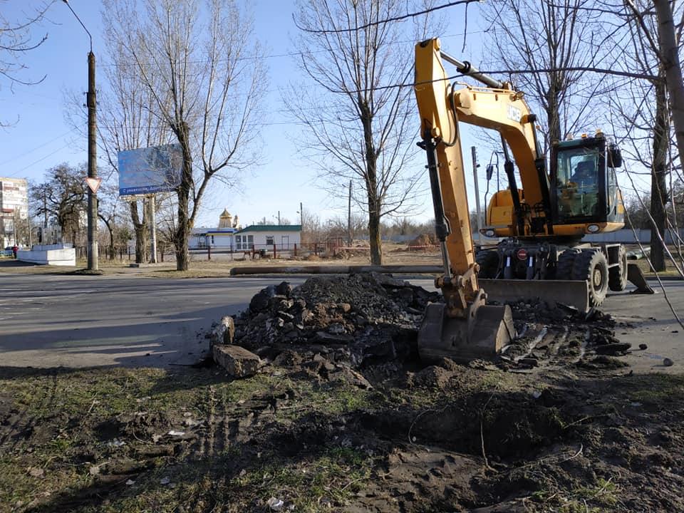 Причина разлома на Мелитопольском шоссе – труба, которой нет ни на одной схеме коммуникаций