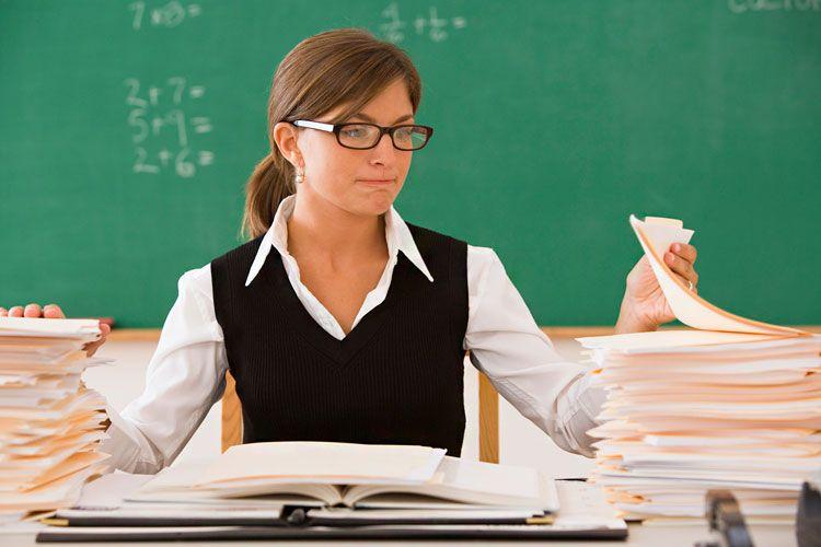 Кабмин принял решение поднять заработной платы учителям практически наполовину