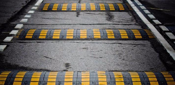 Вулицю Макарова до початку курортного сезону обладнають обмежувачами швидкості