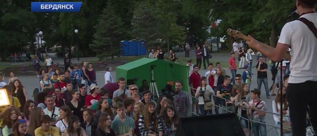 В Бердянске состоялся благотворительный концерт в поддержку больной девочки
