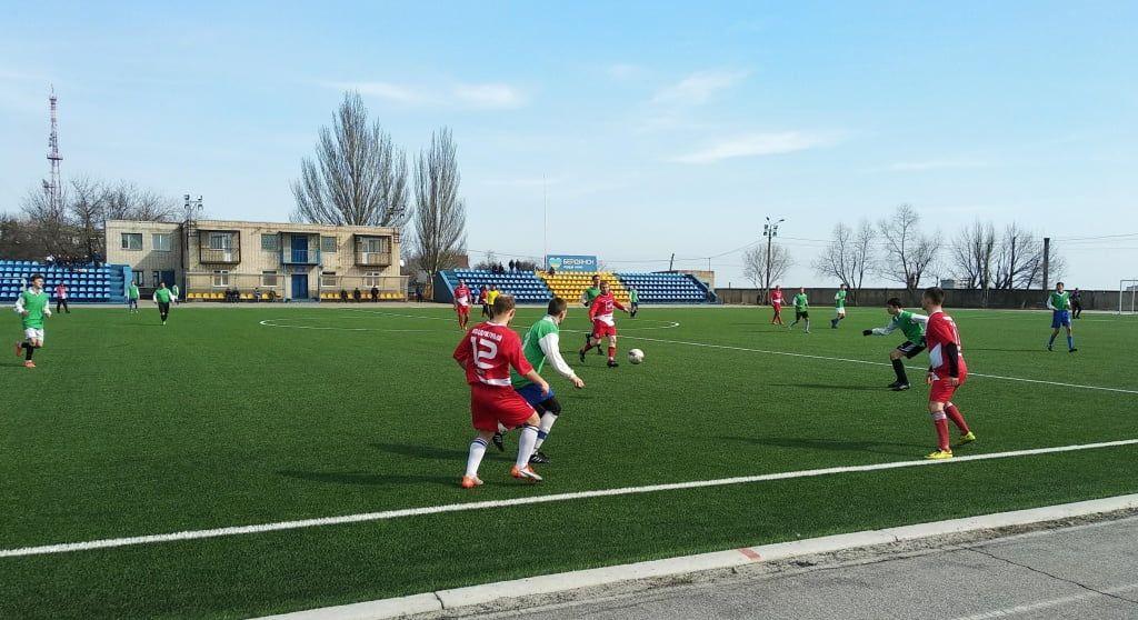 «Азмол» побеждает в первом футбольном турнире сезона