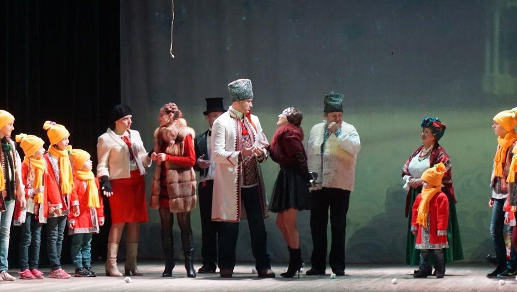В Бердянске состоялся новогодний спектакль