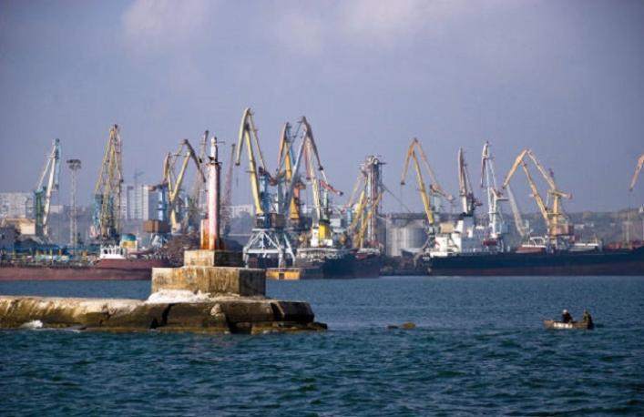 Cуд визнав недійсним договір про надання послуг із днопоглиблення у порту Бердянська
