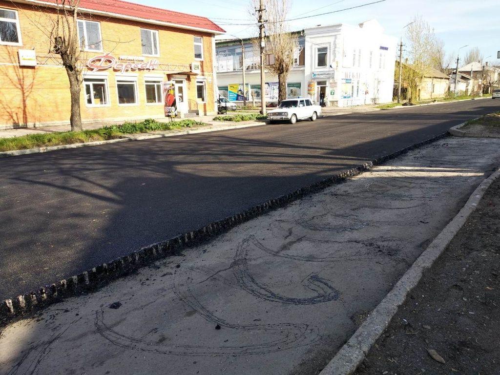 + 1,4 мільйони гривень. Фірма з орбіти Пономарьова виграли всі тендери на ремонт доріг