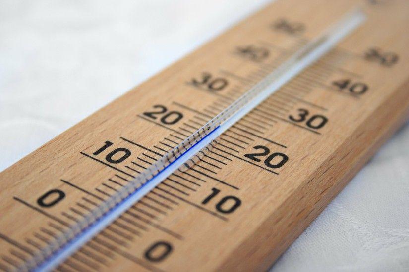 Температура в детсадах +17+20 градусов, в школах +16+22
