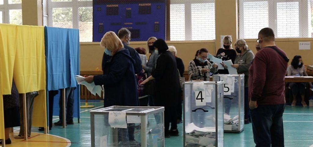 В Бердянске на 11:00 проголосовали около 12 процентов избирателей