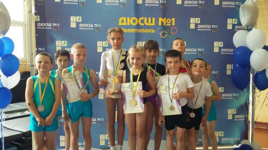 Бердянские спортивные акробаты на успешно выступили на соревнованиях в Мелитополе