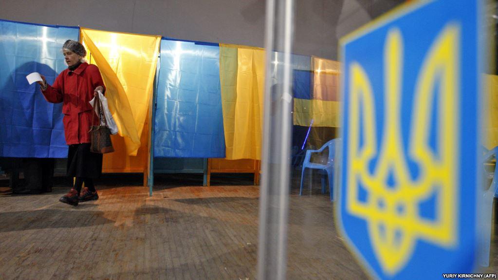 На Прикарпатті вже проголосувало більше третини виборців