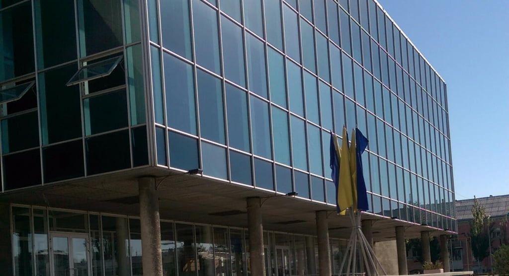 Подрядчик, которым был недоволен Владимир Чепурной, будет ремонтировать ГДК им. Шевченко