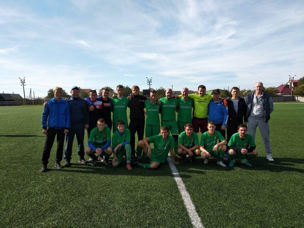 «Азовкабель-Молния» выиграла чемпионат Бердянска по футболу