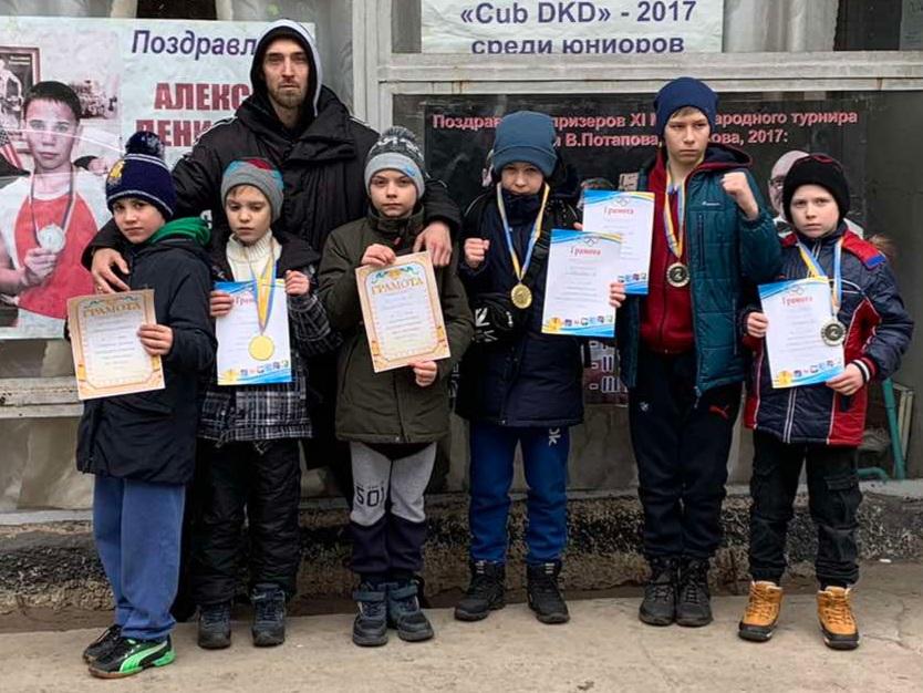 Юные боксеры бердянской ДЮСШ успешно выступили в Энергодаре