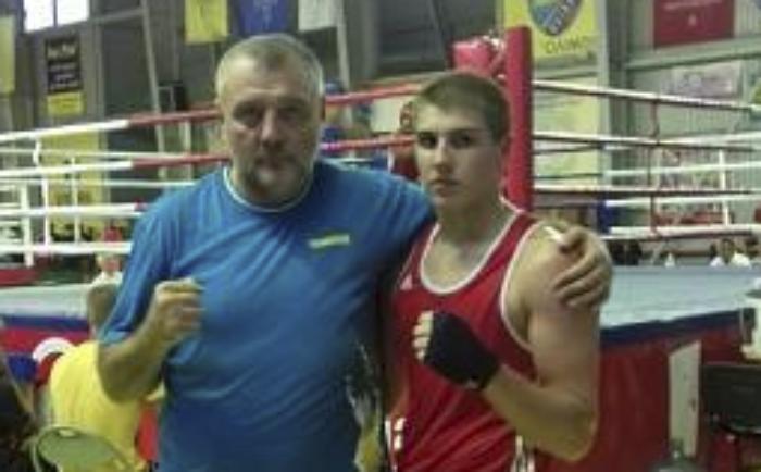Руслан Шаповалов завоевал бронзу юниорского чемпионата Европы по боксу
