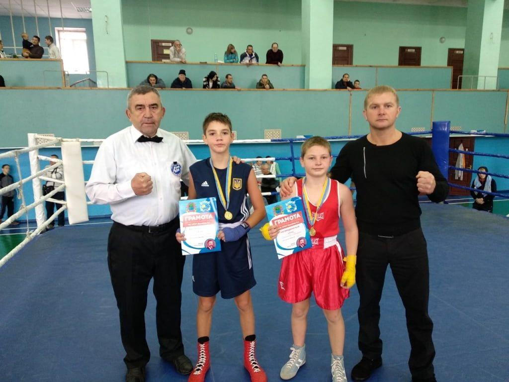 Бердянские боксеры мощно выступили на турнире памяти Виктора Намлиева