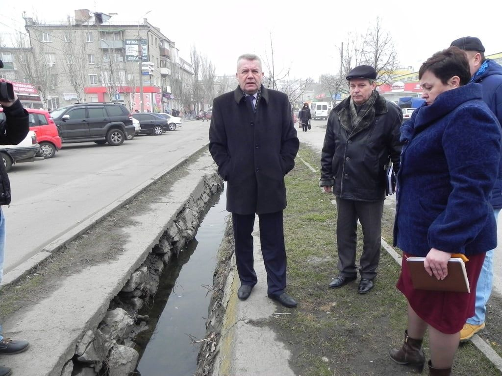 Владимир Чепурной призывает повышать качество условий труда на коммунальных предприятиях