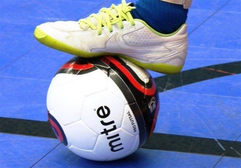 «Центр-Квартирный вопрос» стал первым полуфиналистом мини-футбольного турнира микрорайонов