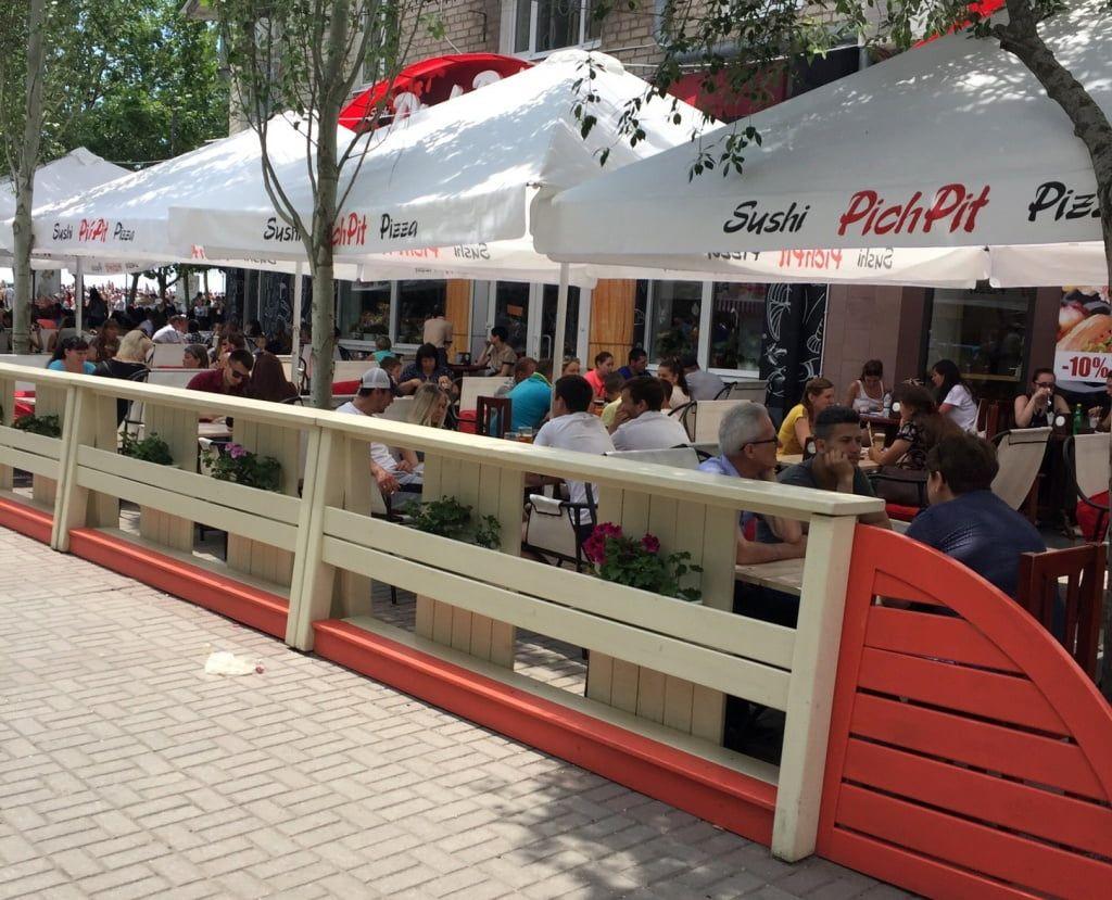 Вопрос закрыт: квадратный метр летних площадок в центре города будет стоить 2500 гривен