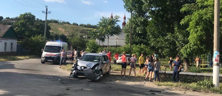 В Бердянске на Лисках произошло ДТП, есть пострадавшие