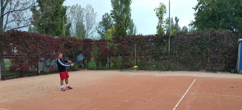 В Бердянске стартовал заключительный турнир теннисного сезона