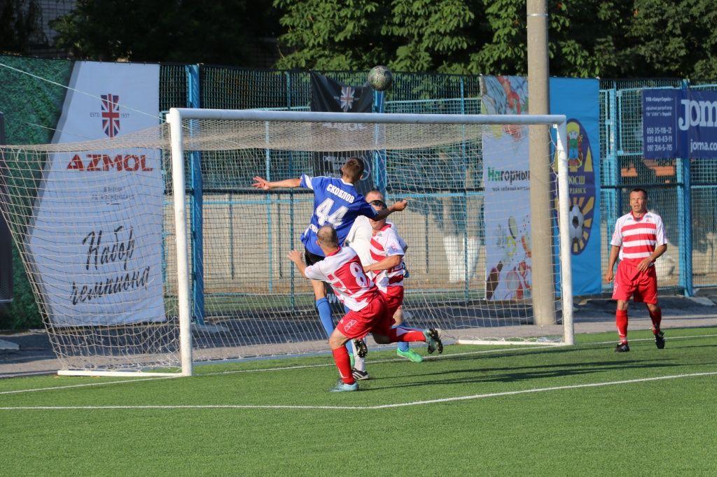 Чемпионат Бердянска по футболу, тур №4: «Арсенал - VeAn Tattoo» забил 17 мячей «Шмидту»