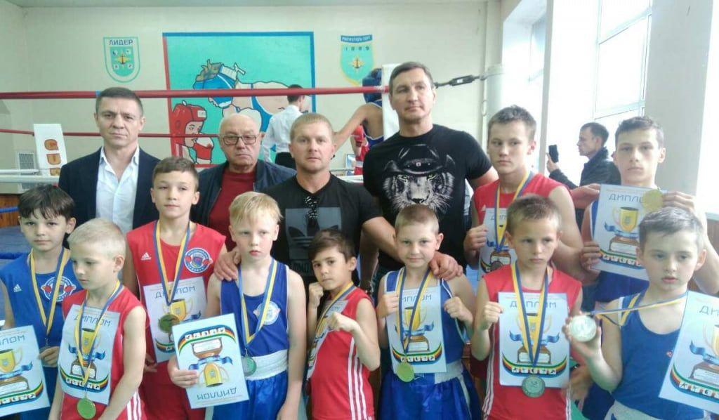 Боксеры БК «Чемпион» завоевали 10 медалей на турнире в Мариуполе