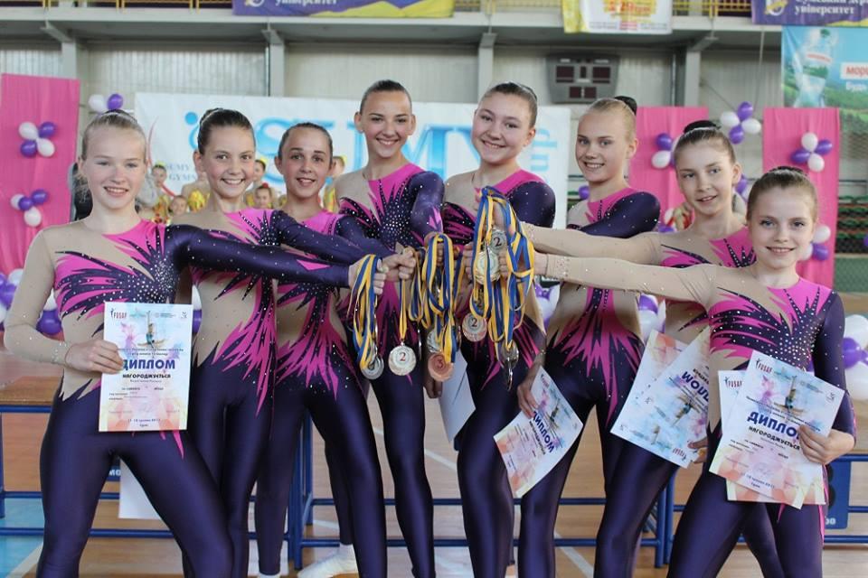 Бердянцы успешно выступили на чемпионате Украины среди юношей и молодежи по аэробике