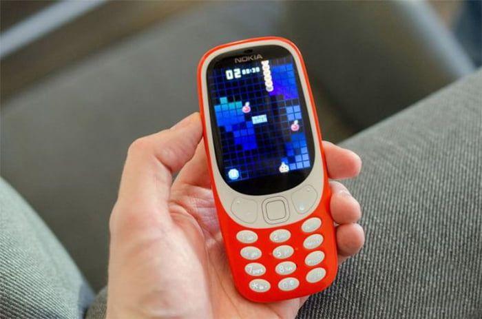 В Бердянске девушка «отжала» у мужчины мобильный телефон