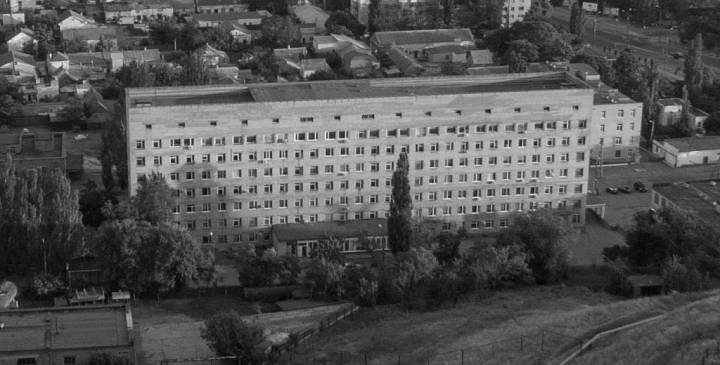 62-летний бердянец погиб после падения с 6-о этажа хирургического корпуса