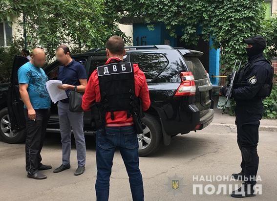 Водіям джипів, які під Бердянськом блокували колону автобусів із дітьми, вручили підозри.