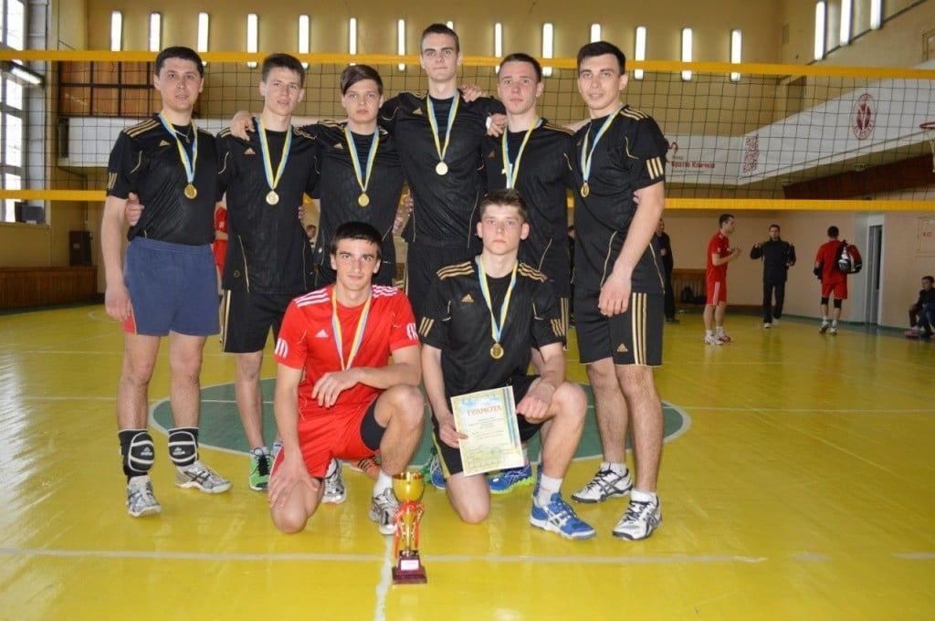 БГПУ выигрывает и в мужской части турнира имени Владимира Пестерова