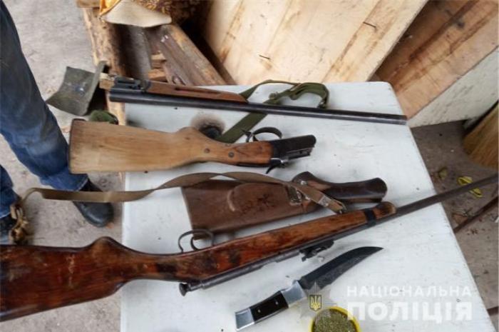 В Бердянську поліцейські вилучили зброю та боєприпаси
