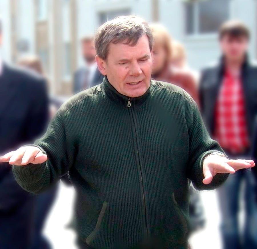 """Под давлением общественности мэр Бердянска отползает, но готовит """"запасной аэродром"""" для одиозной протеже"""