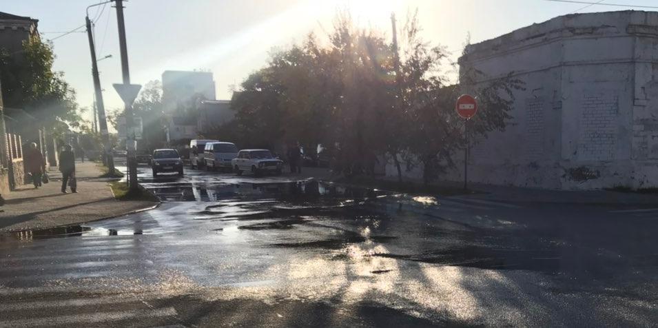 На Ля-Сейнской снова крупный порыв водопровода