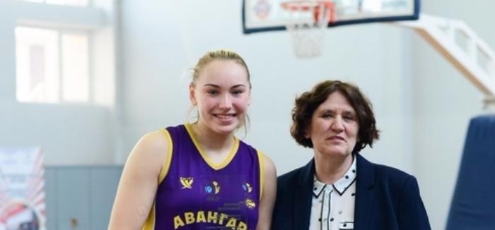 Ольга Яцковец и Ирина Цекова стали серебряными призерами баскетбольного чемпионата Украины