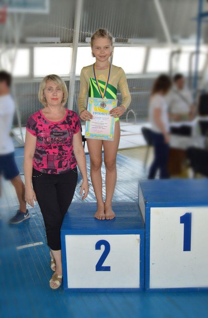 Бердянские спортивные акробаты выступили на соревнованиях в Геническе.
