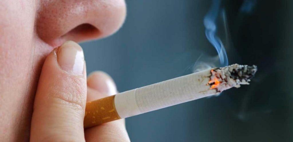 Бердянців оштрафували за паління в громадському місці та нецензурну лайку