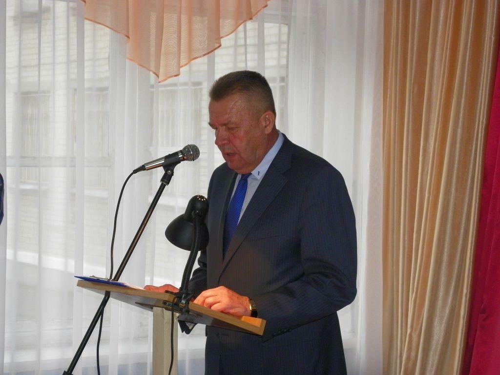 Городской голова Владимир Чепурной отчитался перед жителями АКЗ и РТС