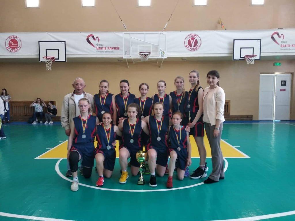 Бердянские баскетболистки U-15 завоевали серебро чемпионата Украины