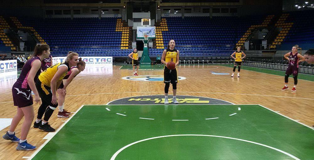 «Чайка-ДЮСШ» проигрывает «Киев-Баскету»