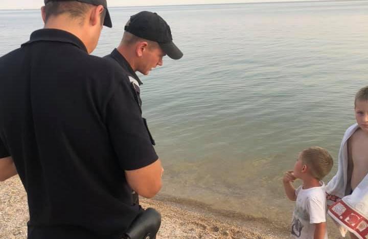 В Бердянську батько забув сина на пляжі: хлопчик просидів на сонці цілий день
