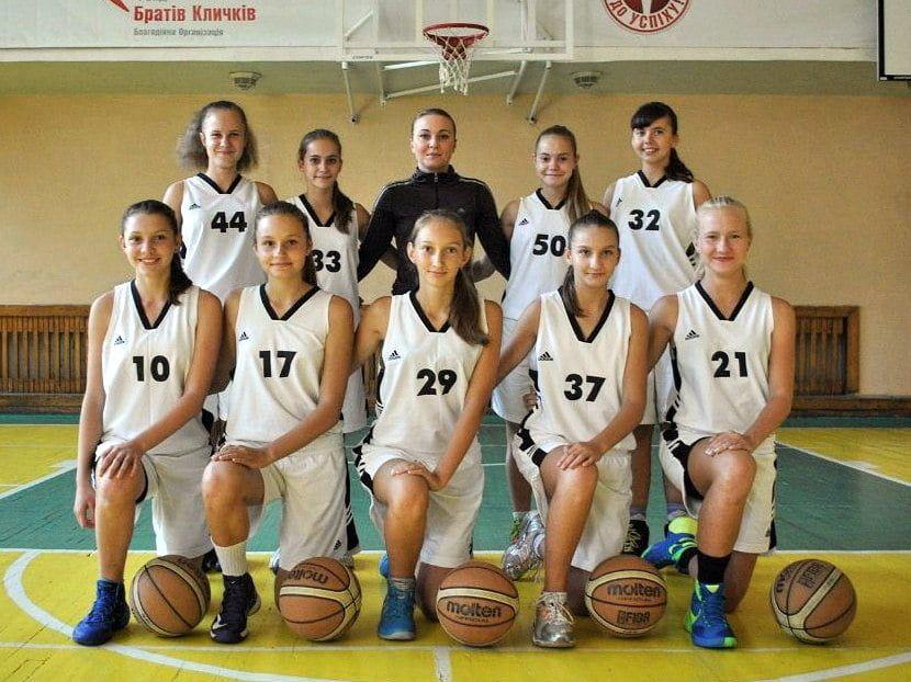 Баскетболистки бердянской ДЮСШ 2000 г.р. провели домашний тур чемпионата Украины