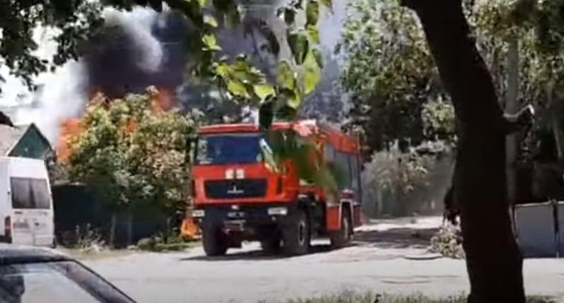 В Бердянську згоріли гараж і автомобіль