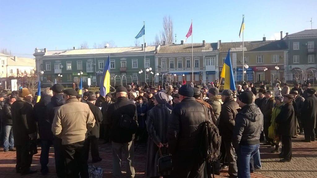 В Бердянську відбулось одночасно три мітинги