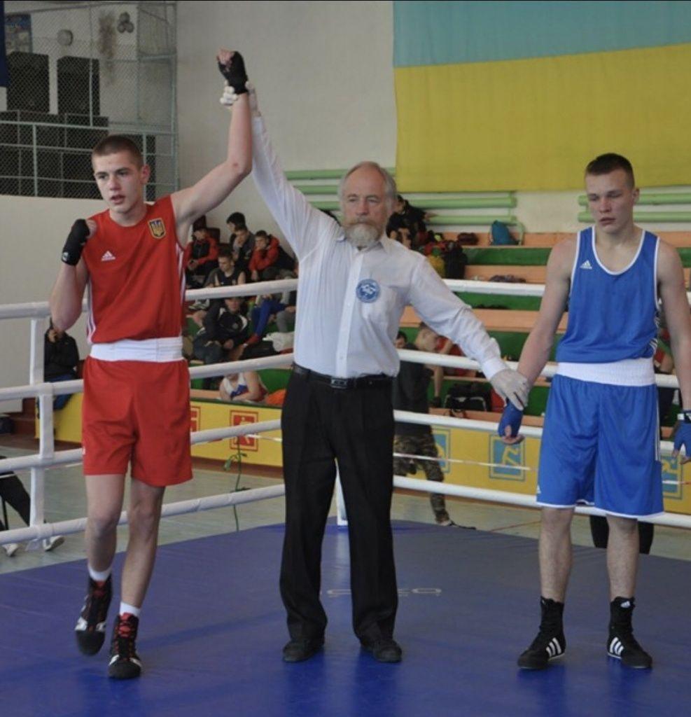 Савелий Супрунец и Дмитрий Мищенко стали чемпионами Украины по боксу среди юниоров