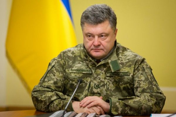 Порошенко сообщили, что готов гарантировать соблюдения перемирия украинскими военнослужащими наПасху